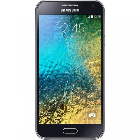 Celular Smartphone Samsung Galaxy E5 Duos Dual Chip Desbloqueado Android 4.4 Tela Amoled HD 5  16GB 4G Wi-Fi Câmera 8MP - Preto
